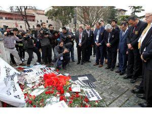 Tekvandocular, Sultanahmet saldırısında ölenler için karanfil bıraktı
