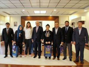 Madalyalı Boksörlerden Vali Azizoğlu'na Ziyaret