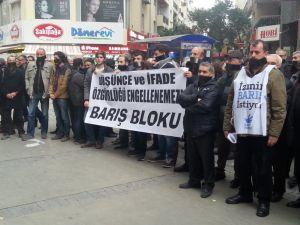 'Düşünce ve ifade özgürlüğü' için sessiz eylem yaptılar