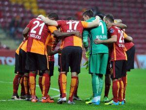 Galatasaray, Arena'da Sahne Alıyor