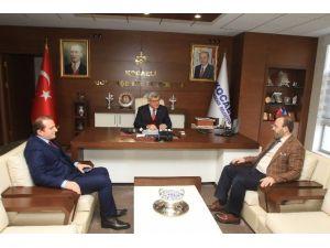 """Başkan Karaosmanoğlu: """"Hizmet İçin Çalışıyoruz"""""""