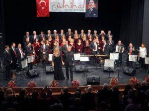 Gülnihal Yılın İlk Konserini Verdi