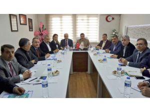 Bakan Tüfenkci, Malatya'da Belediye Başkanlarıyla Bir Araya Geldi