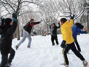 İstanbul'da okullar kar yağışı nedeniyle bugün tatil edildi