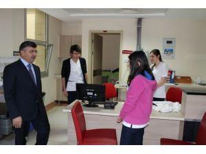 Başkan Akdoğan'dan Hastane Ziyareti