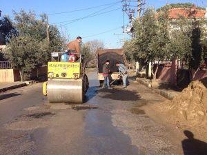 Alaşehir Belediyesi Asfalt Ve Bordür Çalışmalarını Sürdürüyor