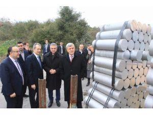 Başkan Karaosmanoğlu, ''Emekçiler Başımızın Tacıdır''