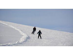 Bitlis'teki 3 kayak merkezinde sezon açıldı