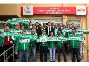 Milletvekili Öztürk'ten 2 Bin Muğlaspor Kaşkolu