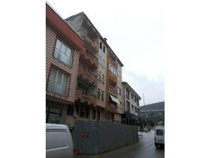 Bursa'da Tehlike Saçan Apartman Yıkılamıyor