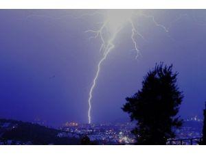 Bodrum'da Fırtına Sonrası Yağmur Etkili Oldu