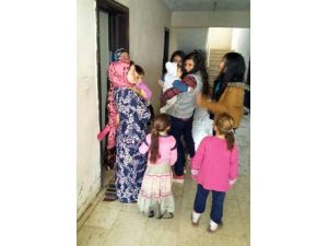 Liseli Öğrencilerden Suriyeli Ailelere Yardım
