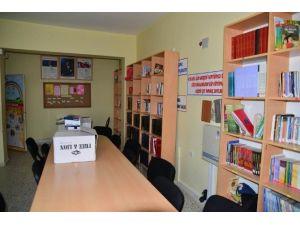 Kadın Meclisinden Okul Kütüphanesi İçin Kampanya