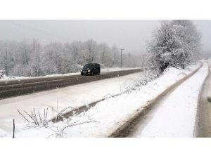 Zonguldak'ın Yüksek Kesimlerinde Kar Etkili Oldu