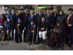 Büyükşehir'den Engellilere Akülü Araç
