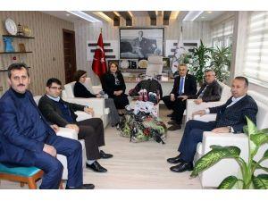 AK Parti'li Mustafa Savaş, İktiyaç Sahibi Öğrencileri Sevindirdi