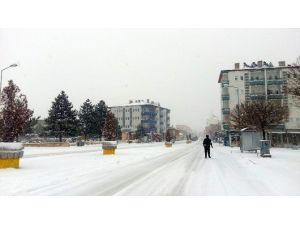 Acıgöl'de Kar Kalınlığı 10 Santimetreye Ulaştı