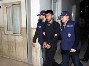 Manisa'daki terör operasyonunda gözaltına alınan 7 zanlı adliyede