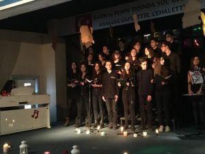 Bahçeşehir Anadolu Lisesinde Şiir Coşkusu