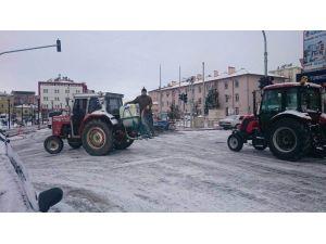 Cihanbeyli Belediyesi'nden Kar Temizleme Çalışmaları