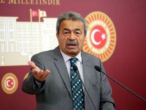 Devlet eski bakanı Ufuk Söylemez, Kamer Genç'in vasiyetini açıkladı
