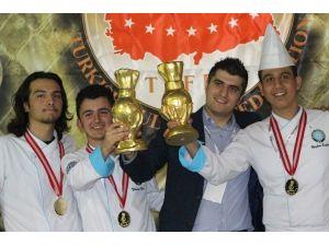 Aşçılık Öğrencileri Başarıdan Başarıya Koşuyor
