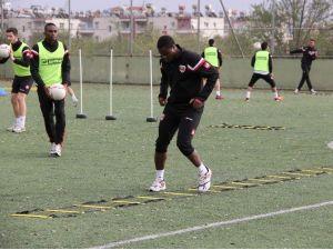 Adanaspor Maç Saatini Bekliyor