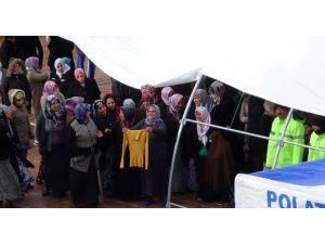 Roketli Saldırıda Hayatını Kaybeden Ayşegül Polat Toprağa Verildi