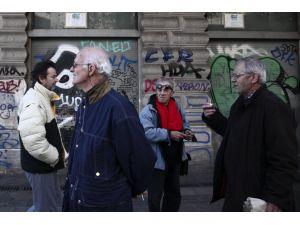 Atina'da emeklilerden protesto yürüyüşü