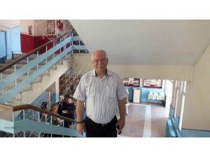 Kayseri'de domuz gribi şüphesiyle tedavi gören okul müdürü hayatını kaybetti