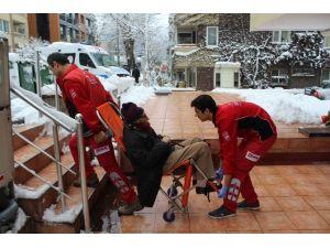 99 Yaşındaki Diyaliz Hastasının İmdadına Belediye Ekipleri Yetişti