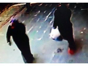 Kadın Hırsızlar Güvenlik Kamerasına Yakalandı