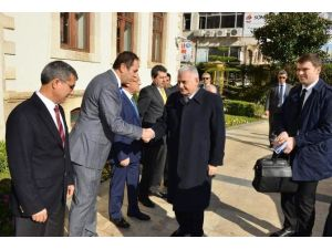 """Bakan Yıldırım: """"Yıllık Bütçemizin Dörtte Birinden Fazlası Antalya İçin Harcanıyor"""""""
