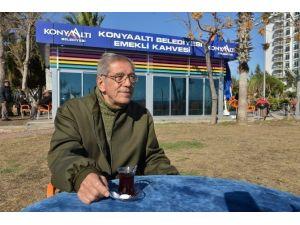 Emekliler, Konyaaltı Emekli Kahvesi'nden Memnun