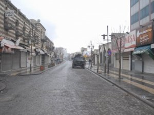 Sur'da kanaslı saldırı: 3 özel harekat polisi yaralandı