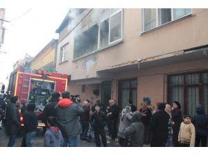 Kadıköy Fikirtepe'de Yangın: 1 Ölü