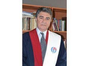 GAÜN'lü Azeri Profesöre Türk Dünyası Hizmet Ödülü
