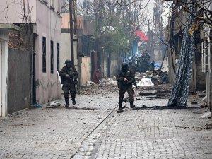Cizre'deki terör operasyonunda 1 polis şehit oldu