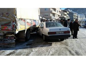 Erfelek'te Maddi Hasarlı Kaza