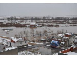 Tarım Alanları Sular Altında Kaldı