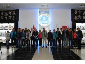 Büyükşehir'den Spor Okulları'na Yakın Markaj