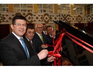 Başkan Subaşıoğlu Koroyla Birlikte Türkü Söyledi