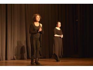 'Othello! Bir İntikam Provası' Oyununa Tiyatro Severlerden Yoğun İlgi