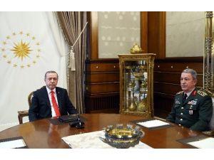 Cumhurbaşkanı Erdoğan, Genelkurmay Başkanı Akar'ı Kabul Etti