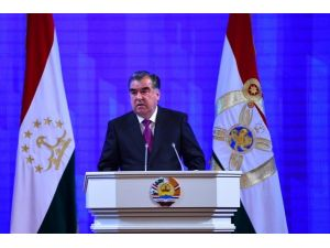 Tacik lider Rahman'dan, yolsuzluğa karşı mücadele çağrısı