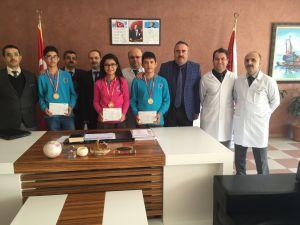Lara, Türkiye şampiyonu öğrencilerini ödüllendirdi