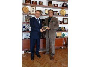 Afganistan Büyükelçisi Jayhoon'dan Iuc Kurucu Başkanı Azizoğlu'na Ziyaret