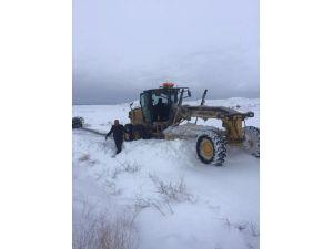 Aksaray'da Karla Mücadele Ekipleri Aralıksız Çalışıyor
