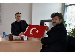 Nevşehir'de Yeni İşyeri Açana Türk Bayrağı Hediye Ediliyor