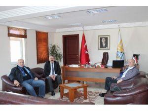 Sakarya 1'nci Organize Sanayi Müdürü Çubuk Başkan Karakullukçu'yu Ziyaret Etti